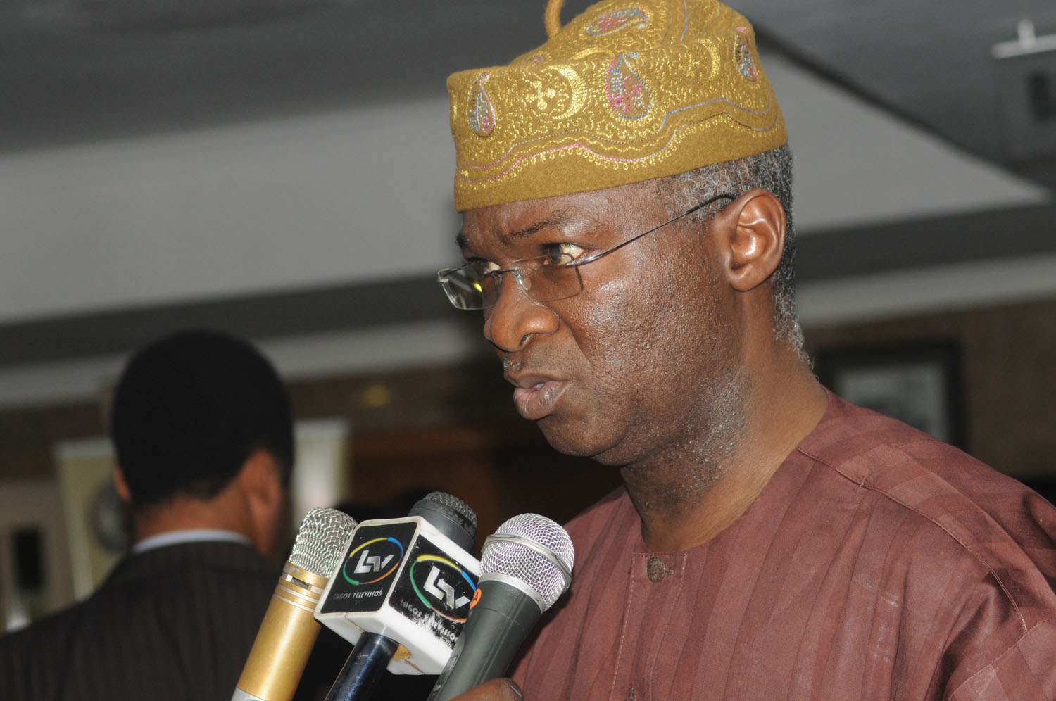 PIC. 16. GOV. BABATUNDE FASHOLA OF LAGOS BRIEFING NEWSMEN AT THE END OF THE REVIEW OF   2ND QUARTER OF THE STATE'S 2013 BUDGET IN LAGOS ON THURSDAY (11/7/13).