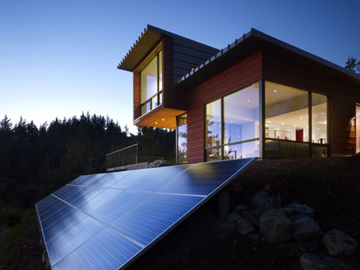 wooden-modern-home-with-solar-panels
