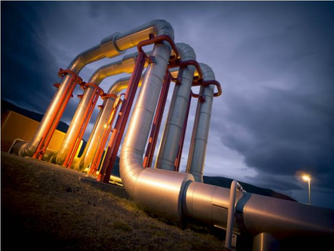gas-pipeline-evening-653x490